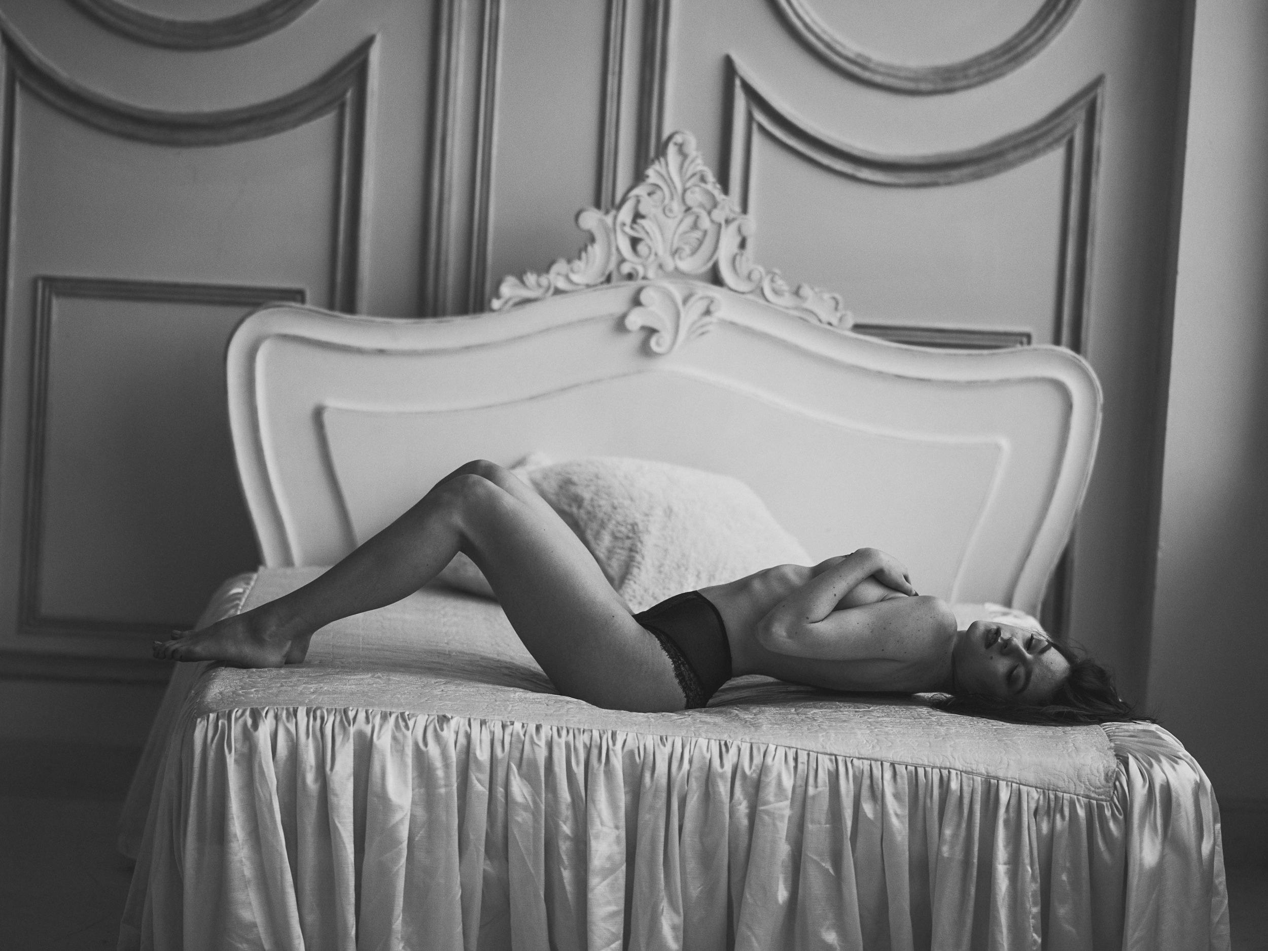 nude art photography bed